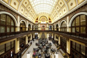 enchanted-florist-contemporary-union-station-wed26