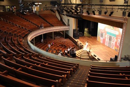 inside-the-ryman-auditorium